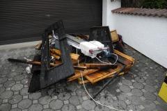 Ein Teil der aus dem Brandraum ausgeräumten Gegenstände