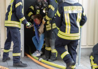 Jahresabschlussübung der Rosbacher Feuerwehr – Gasexplosion in Industriebetrieb