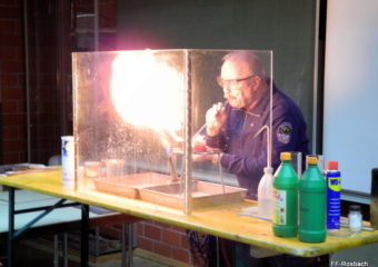 Kreisausbilder Robert Winkler referiert zum Thema Brennen