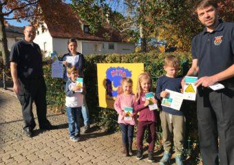 Feuerwehr Rosbach trägt Kinderfinderaktion in die Kitas und die Grundschule