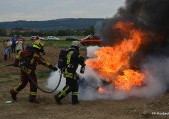 Feuerwehr Rosbach testet Löschmittelzusatz F-500